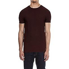 Burton - Burgundy muscle fit t-shirt