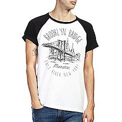 Burton - Brooklyn front print raglan t-shirt