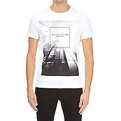 Burton - White Manhattan hi-build t-shirt