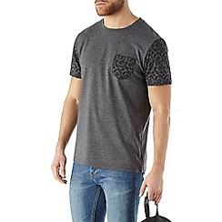 Burton - Paisley pocket and sleeves tee