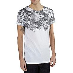 Burton - White skull yoke printed t-shirt