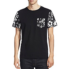 Burton - Floral pocket & sleeves t-shirt