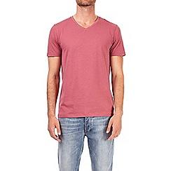 Burton - Dark pink V-neck t-shirt