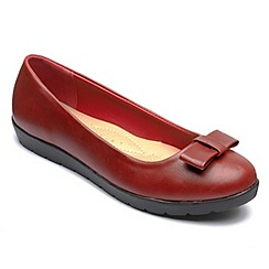 Freestep - Red 'Faye' ballerina shoes