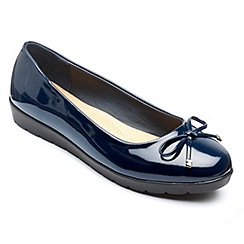 Freestep - Navy 'Elizabeth' ballerina shoes