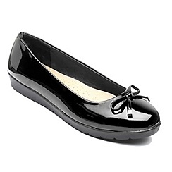 Freestep - Black 'Elizabeth' ballerina shoes