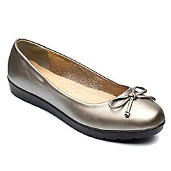 Freestep - Pewter 'Elizabeth' ballerina shoes