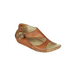 Riva - Tan 'Cartier' shoes