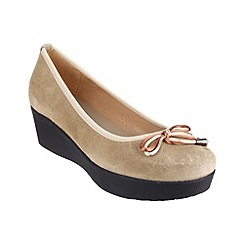Riva - Beige 'Orangutan' wedged shoes