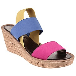 The Flexx - Fuchsia 'Overstep' wedge sandals