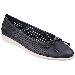 The Flexx - Navy Risin Star' perforated leather pumps