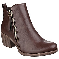 Divaz - Brown 'Dench' mid heel ankle boots