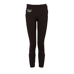 Elle Sport - Black contrast panel capri pants