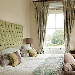 Buyagift - Champneys Overnight Escape with Lunch and Dinner for Two at Tring