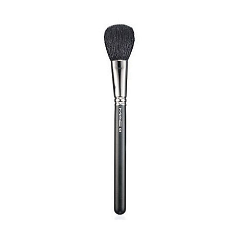 MAC Cosmetics - Powder and blush brush no. 129