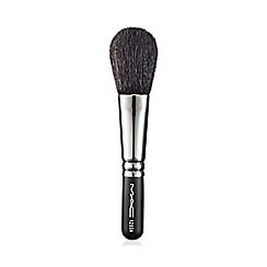 MAC Cosmetics - 129 Short Handle Brush