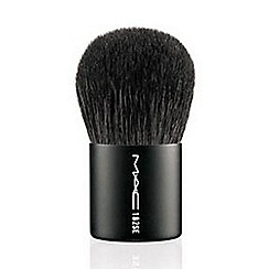 MAC Cosmetics - 182 Buffer Brush