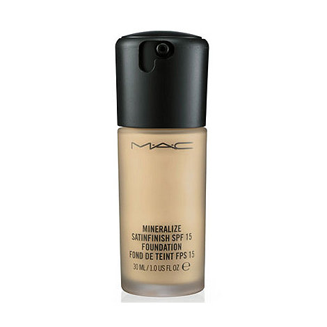MAC Cosmetics - Mineralize Satinfinish SPF 15 Foundation