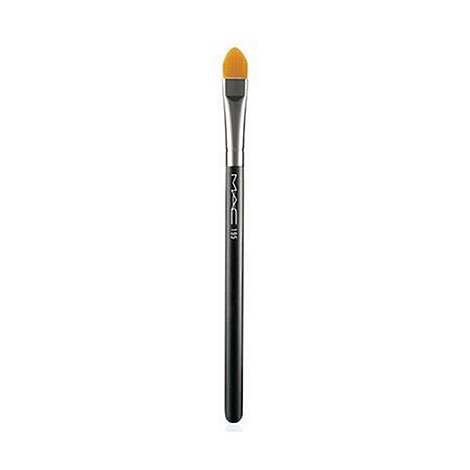 MAC Cosmetics - 195 Concealer Brush