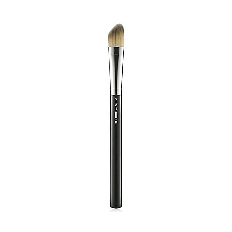 MAC Cosmetics - 193 Angled Foundation brush