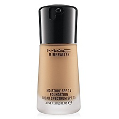 MAC Cosmetics - Mineralize Moisture SPF15 Foundation