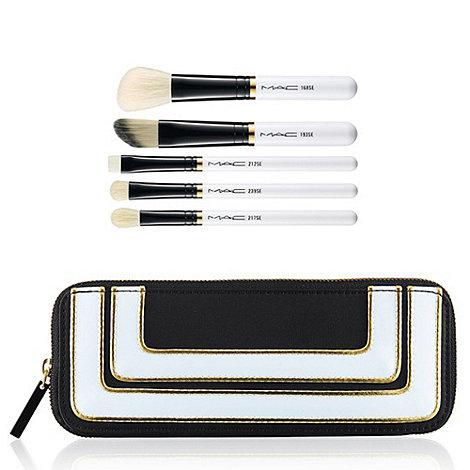 MAC Cosmetics - Stroke of Midnight Brush Kit: Essentials