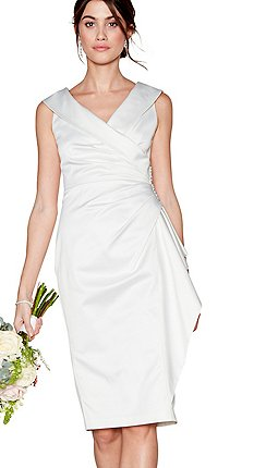 首次亮相 - 象牙色薩曼莎V領結婚禮服