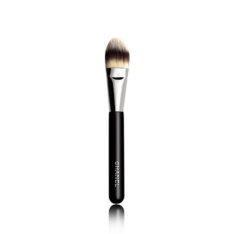CHANEL - PINCEAU FOND DE TEINT N 6 Foundation Brush