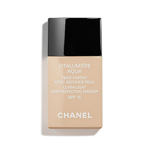 chanel vitalumi re aqua ultra light skin perfecting makeup instant natural radiance spf 15. Black Bedroom Furniture Sets. Home Design Ideas