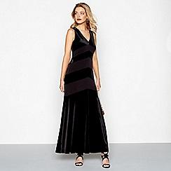Debut - Black velvet v-neck evening dress