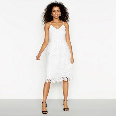 Vila   White Lace 'vidalton' V Neck Midi Evening Dress by Vila