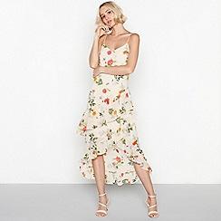 Vila - White floral print chiffon 'Vitrillie' V-neck tiered high low dress