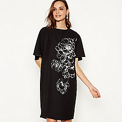 Debut - Black Floral Print Knee Length Shift Dress