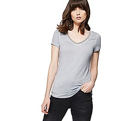 Nine by Savannah Miller - Grey beaded V-neck t-shirt