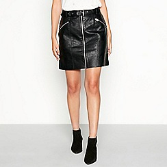 Nine by Savannah Miller - Black faux-leather zip through mini skirt