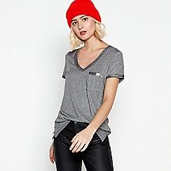 Nine by Savannah Miller - Grey Foil Trim T-Shirt