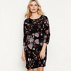 Nine by Savannah Miller - Black Floral Leaf Print 'Amelie' Mini Shift Dress
