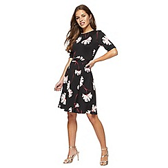 The Collection Petite - Black floral print short sleeve knee length petite tea dress