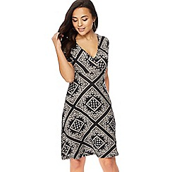 The Collection Petite - Black tile print jersey V-neck petite wrap dress
