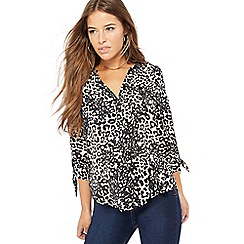 The Collection Petite - Natural leopard print V-neck petite blouse