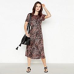 Principles Petite - Pink Leopard Print Petite Midi Dress
