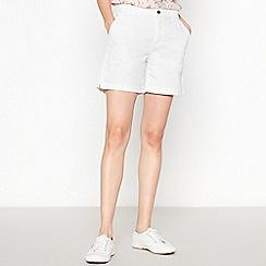 Principles Petite - White Petite Chino Shorts