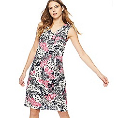 Maine New England - Bright pink leaf print V-neck knee length dress