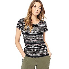 Maine New England - Black striped print top