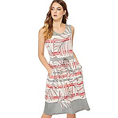 Maine New England - Mid rose palm leaf print jersey round neck knee length dress