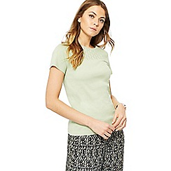 Maine New England - Light green broderie anglaise yoke top