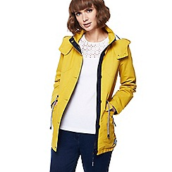 Maine New England - Yellow hooded shower resistant jacket