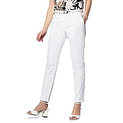 Maine New England - White belted chinos