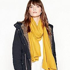 Mantaray - Yellow plain pleat scarf