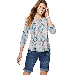 Mantaray - Grey fern print button detail top